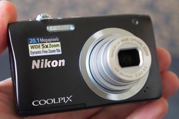 尼康最小的数码相机:Coolpix A100
