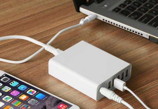 平板电脑的充电器可以充手机吗