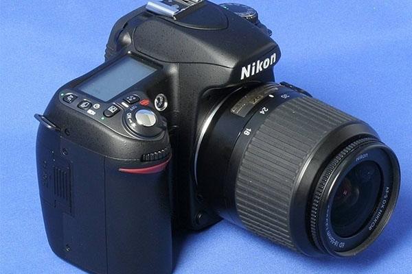 尼康d80是不是全画幅