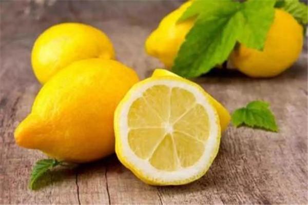 喝柠檬水晒太阳会变黑吗