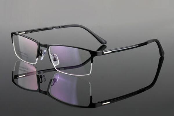 变色眼镜究竟能不能经常戴