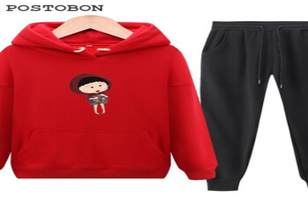 新年红色卫衣穿搭什么裤子
