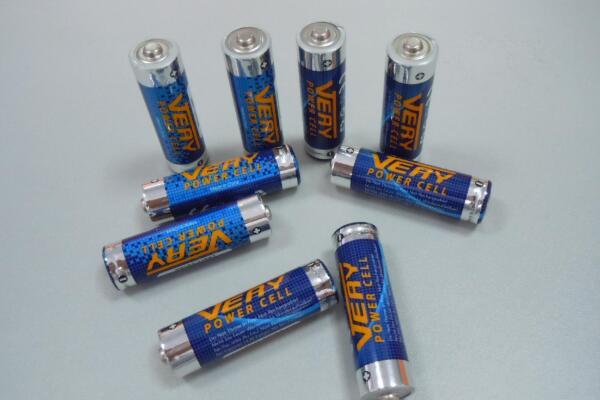 镍氢电池和镍镉电池有什么区别