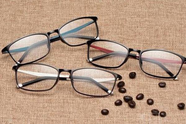 精功眼镜属于什么档次