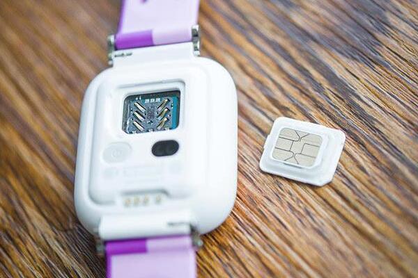 电话手表是否有放电池的