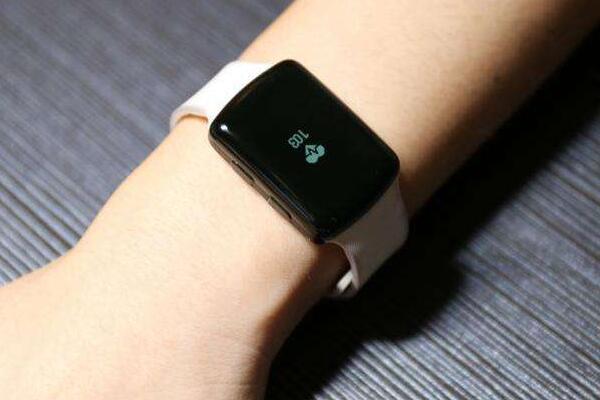 智能手表和手环哪个好