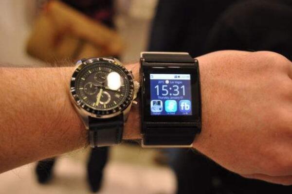 智能手表和传统手表怎么选